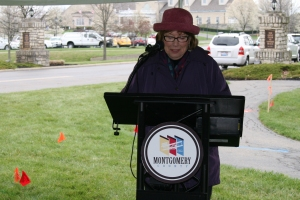 Montgomery County Commissioner Judy Dodge speaks at the Safe Dig event.