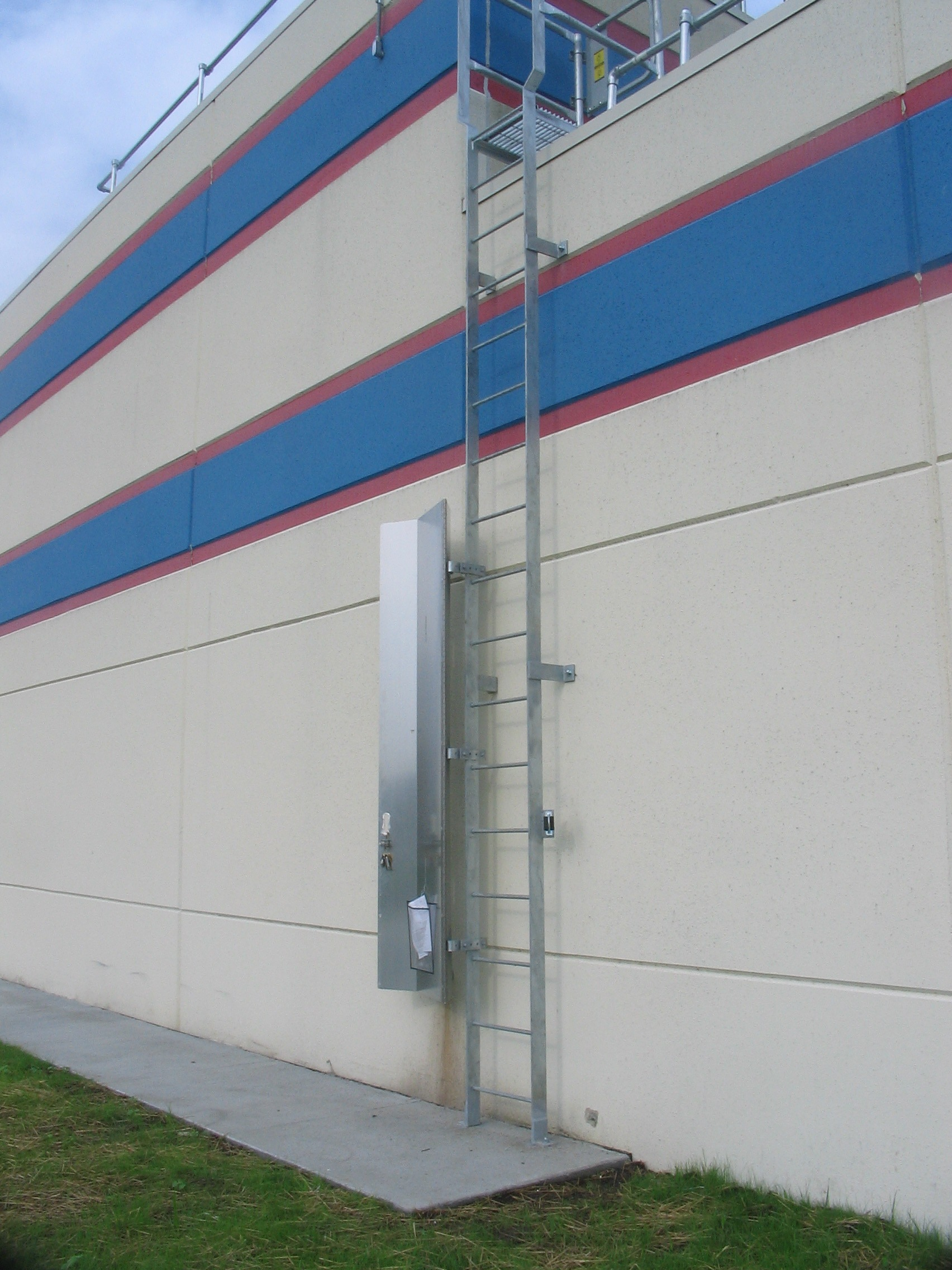 Are Your Fixed Ladders Compliant With New Osha Regulations